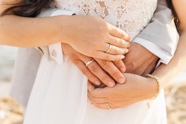 Futurs mariés : comment préparer sa tenue pour le jour J ?